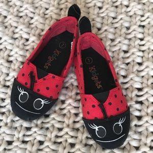 🐞Kidgets🐞 Ladybug shoes Size 7 (little girl)